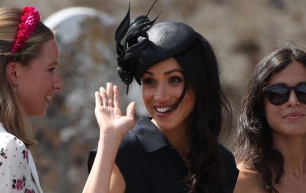 Сукню,  як у герцогині Сассекської , розкупили за години