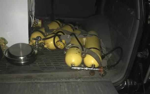 Прикордонники виявили радіоактивні акваланги