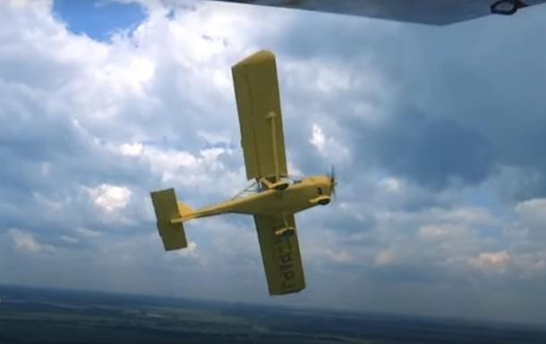 Іноземці скуповують надлегкі українські літаки