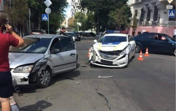 У Києві патрульні розбили ще одне поліцейське авто