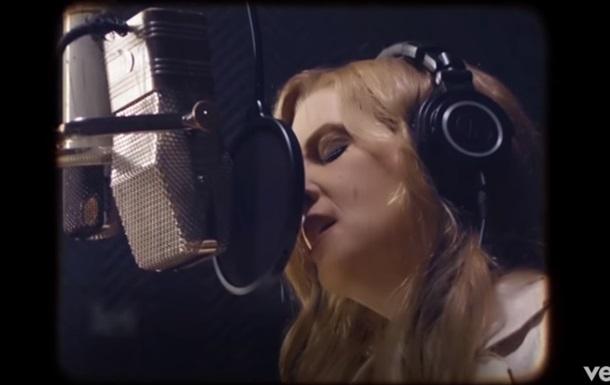Дочка Елвіса Преслі показала відео дуету з батьком