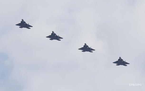 США перекинули в Європу ескадрилью винищувачів F-22