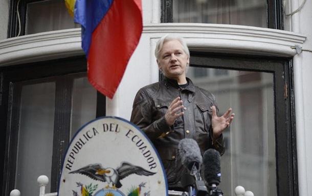 Джуліан Ассанж подумує дати свідчення щодо РФ у Сенаті США