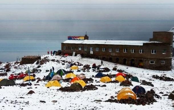 На курорте в Грузии в августе выпал снег