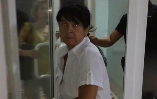 В Харькове пьяная медсестра оскорбляла и таскала детей за волосы