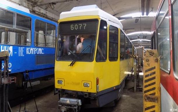 Трамваї з Берліна виявилися несумісними із зупинками у Львові