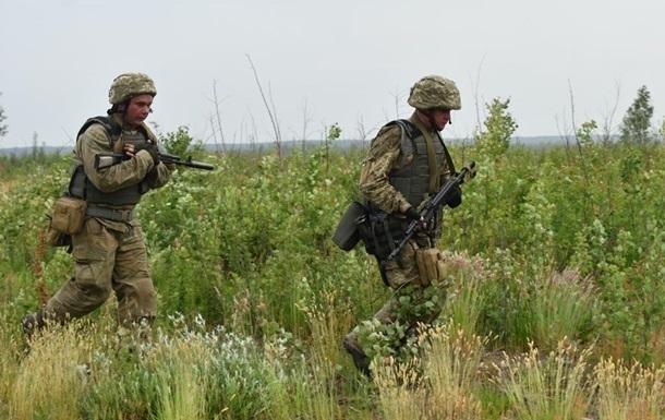 За день на Донбассе зафиксировали десять обстрелов, ранен военный
