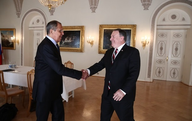 Лавров поскаржився Помпео на нові санкції США