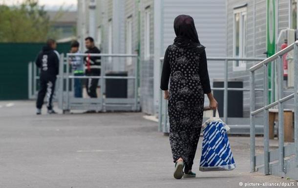 У Німеччині поменшало нападів на біженців