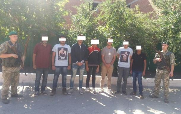 У Харківській області прикордонники затримали нелегалів з Індії та Пакистану