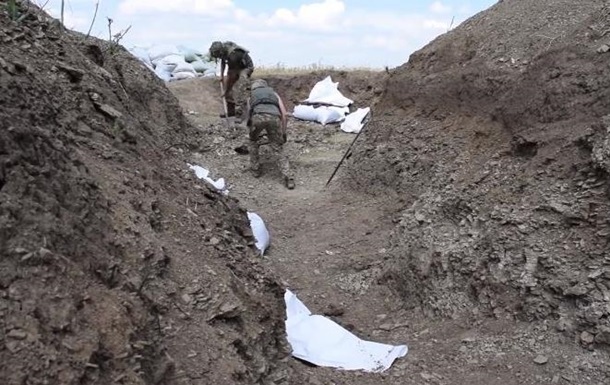Військові зміцнюють лінію фронту на Донбасі
