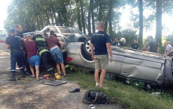 У Тернопільській області сталася масштабна ДТП, є жертви