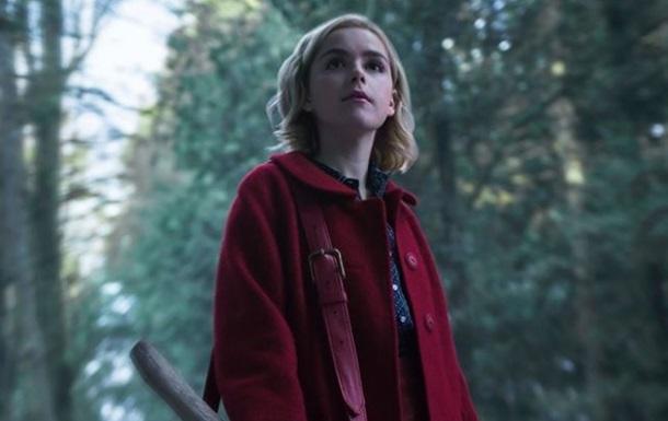 Netflix показала кадры из сериала о ведьме Сабрине
