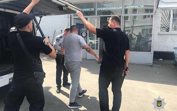 У Дніпрі поліція затримала викрадачів-шантажистів з чоловіком у багажнику