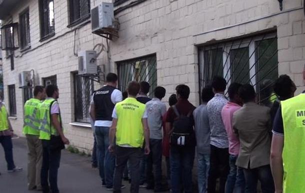 У Києві затримано організатора каналу переправлення нелегалів