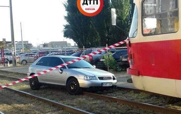 П яний водій збив родину на переході в Києві