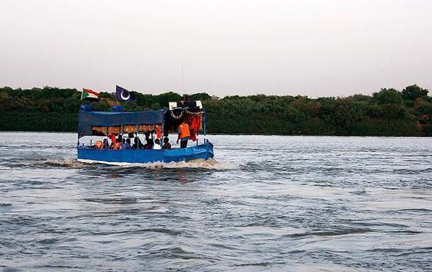 На річці Ніл перекинувся човен: потонули більше 20 дітей