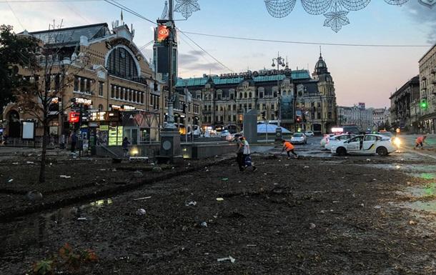 Ночной ураган в Киеве ᐉ Крещатик превратился в свалку ᐉ фото и видео