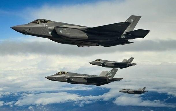 У Норвегії відбувся  бій  винищувачів F-22 і F-35