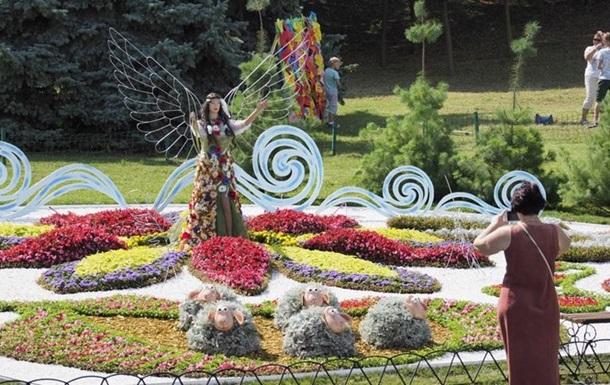 В Киеве открылась  мифическая  выставка цветов