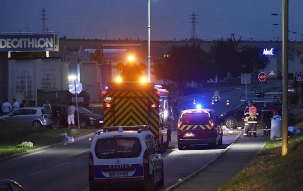У Франції автомобіль в їхав у натовп людей