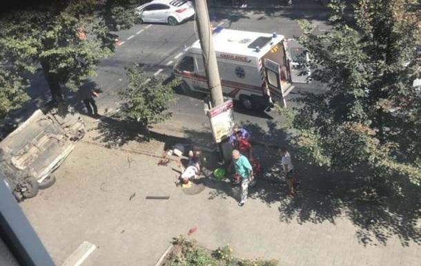 У Сумах авто поліції влетіло в натовп пішоходів