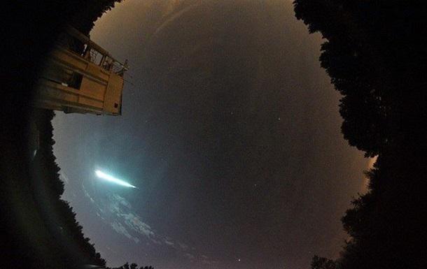 В небе над США сняли огромный огненный шар