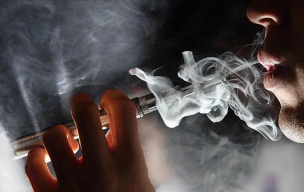 Електронні сигарети здатні змінити структуру ДНК