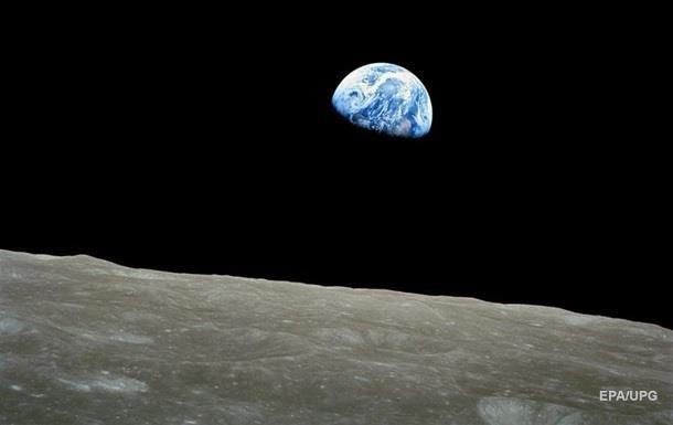 Ученые впервые нашли замерзшую воду на Луне