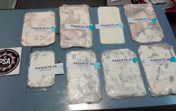 В Аргентині спалили 400 кг кокаїну, знайденого в російському посольстві