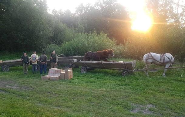 На кордоні з Румунією затримали кінний караван з контрабандою