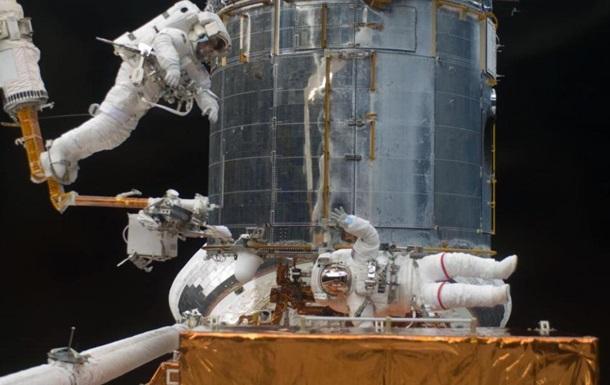 Космонавти зіграли втеніс вневагомості