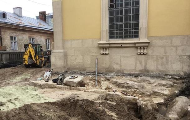 У Львові знайшли незвичайний фундамент давньої церкви