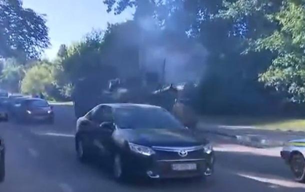 С улицы Киева эвакуировали сломавшийся танк