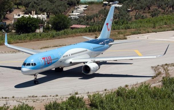 У Греції літак  здув  дитину