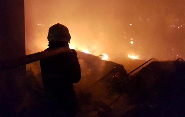 У Мукачеві сталася пожежа на складах Нової пошти