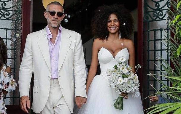 Венсан Кассель одружився із 21-річною моделлю