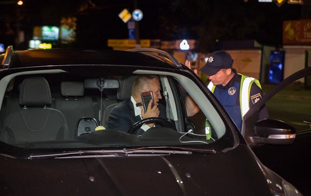 Экс-посла Украины в США поймали пьяным за рулем