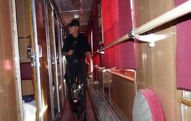 Поліція перевіряє всі потяги в Луганській області