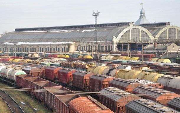 Во Львове пассажирский поезд сбил насмерть женщину
