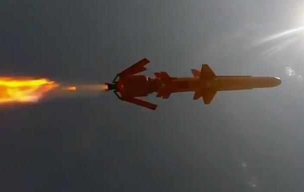 Політ української крилатої ракети зняли на відео