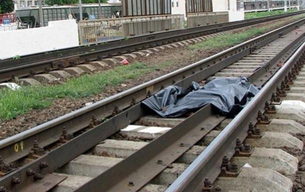 В Харьковской области поезд раздавил сидящего на путях мужчину