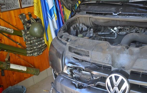Под Харьковом подожгли авто депутата