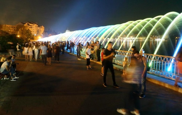 В Тернополе открыли длиннейший аэрационный фонтан страны