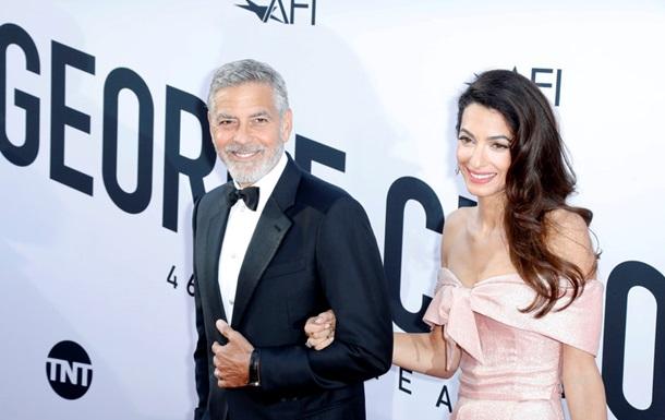 Forbes назвал заработки знаменитостей за час