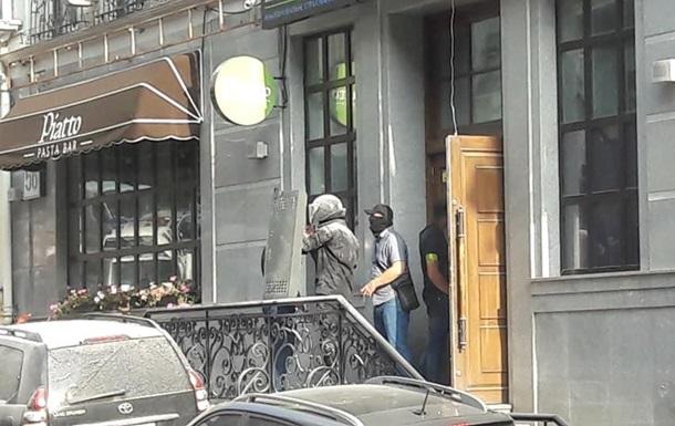 У центрі Києва підірвали адвокатську контору