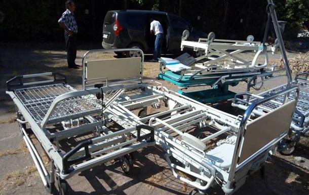 На Донбасі прифронтова лікарня отримала гумдопомогу від Франції