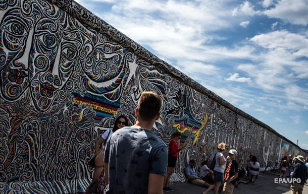В Германии восстановят Берлинскую стену
