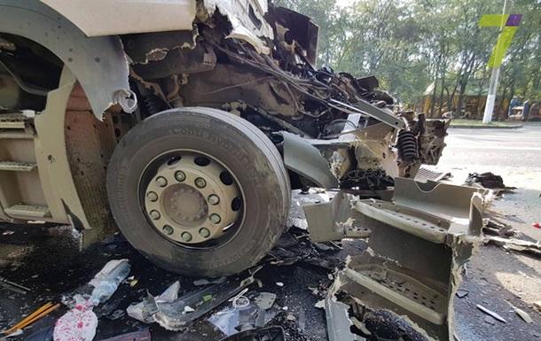 В Одесі зіткнулися дві вантажівки, є жертва