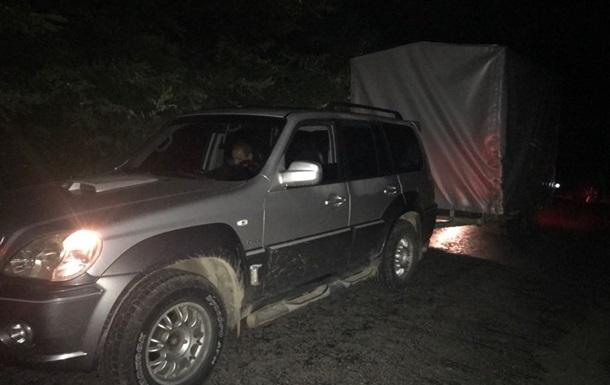 На кордоні з Польщею затримали контрабандистів з дельтапланом